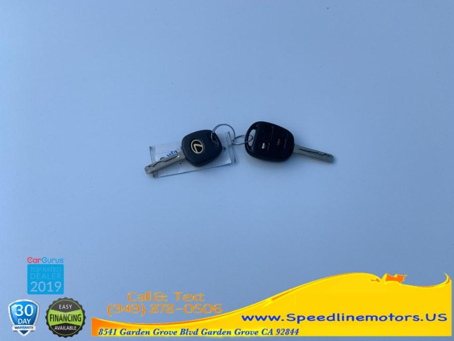 2005 Lexus ES 330 4dr Sdn, available for sale in Garden Grove, California | Speedline Motors. Garden Grove, California