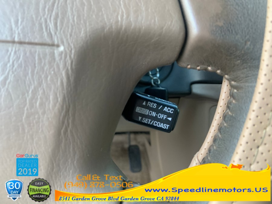 1998 Toyota Sienna 5dr XLE, available for sale in Garden Grove, California | Speedline Motors. Garden Grove, California