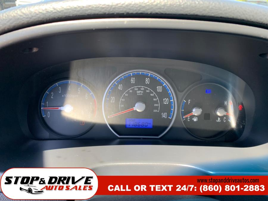 2009 Hyundai Santa Fe FWD 4dr Auto GLS, available for sale in East Windsor, Connecticut | Stop & Drive Auto Sales. East Windsor, Connecticut
