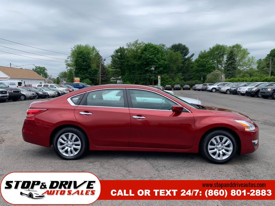 2013 Nissan Altima 4dr Sdn I4 2.5 S, available for sale in East Windsor, Connecticut | Stop & Drive Auto Sales. East Windsor, Connecticut
