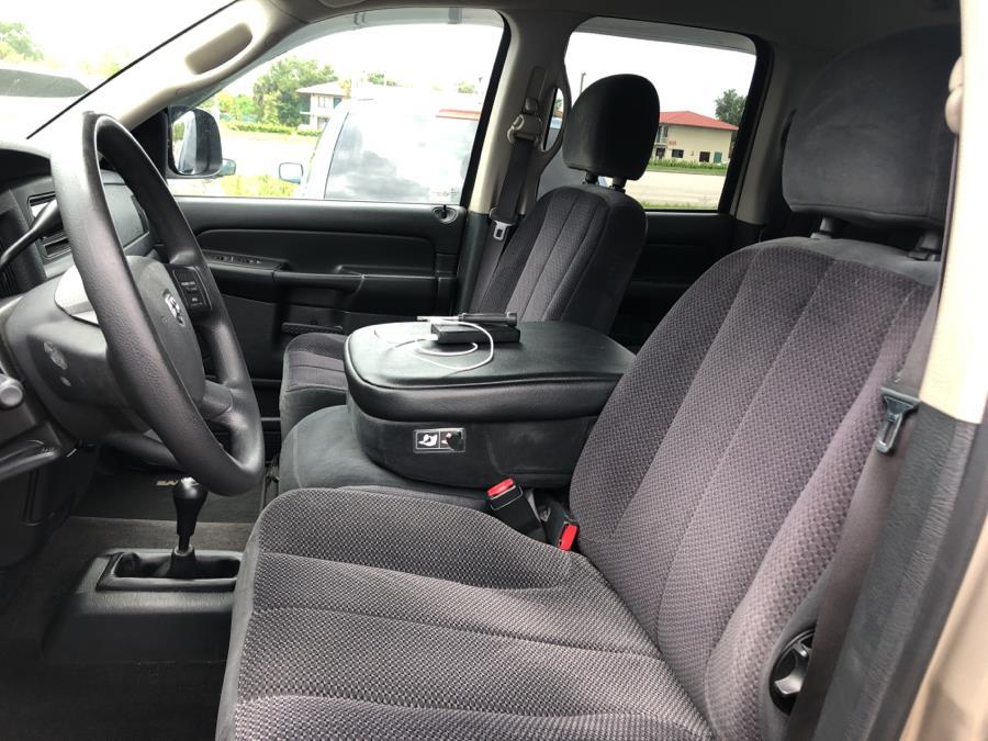 2005 Dodge Ram 1500 4dr Quad Cab 140.5