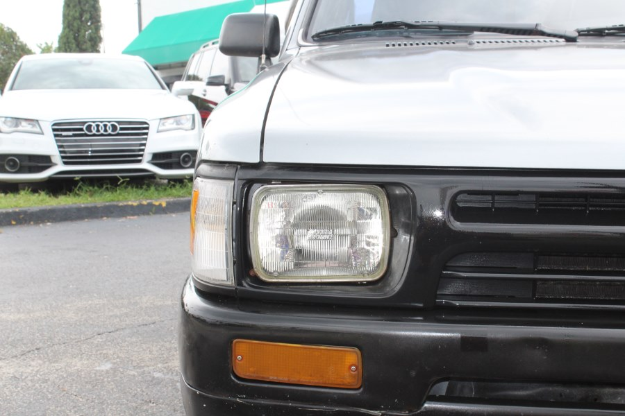 1994 Toyota Pickup Std Bed 2dr Truck Manual, available for sale in Orlando, Florida | Mint Auto Sales. Orlando, Florida