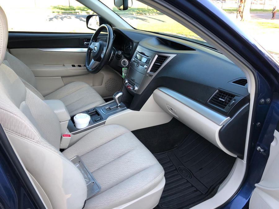Used Subaru Outback 4dr Wgn H4 Auto 2.5i Prem AWP 2011 | Great Deal Motors. Copiague, New York