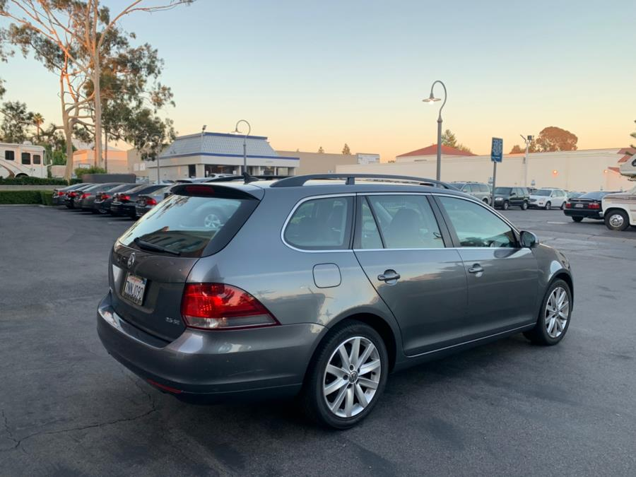 2011 Volkswagen Jetta SportWagen 4dr Auto SE PZEV, available for sale in Lake Forest, California | Carvin OC Inc. Lake Forest, California