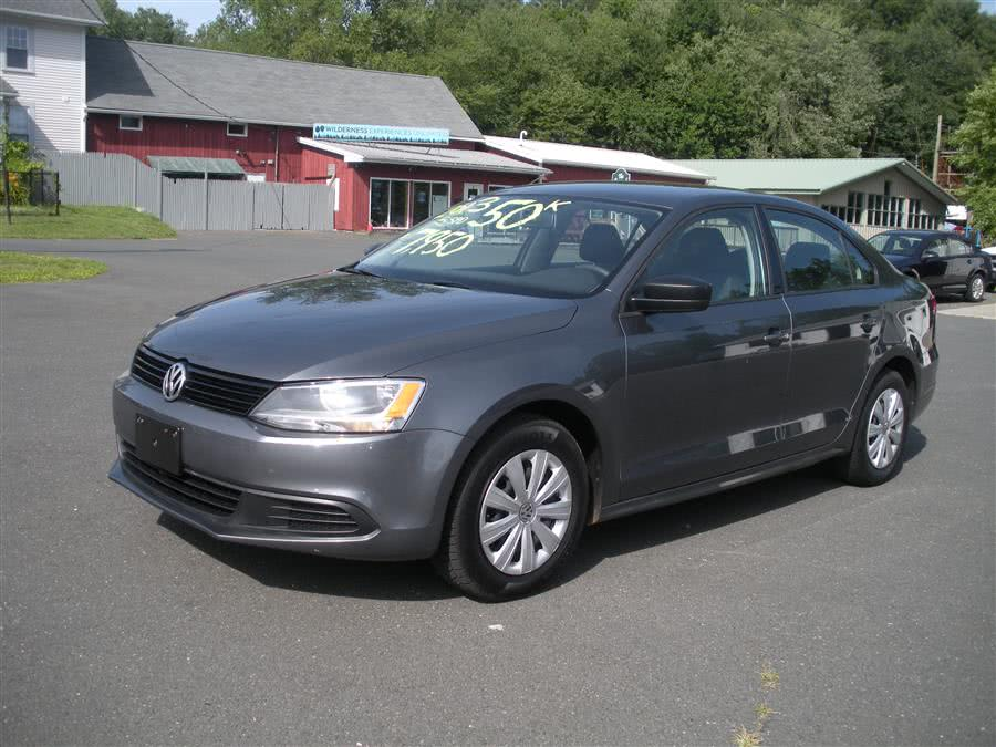 2013 Volkswagen Jetta Sedan 4dr Manual S, available for sale in Southwick, Massachusetts | Country Auto Sales. Southwick, Massachusetts