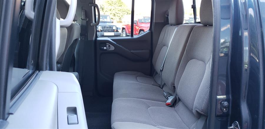 2014 Nissan Frontier 4WD Crew Cab SV, available for sale in Waterbury, Connecticut | National Auto Brokers, Inc.. Waterbury, Connecticut