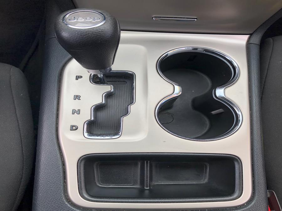 2011 Jeep Grand Cherokee 4WD 4dr Laredo, available for sale in Jamaica, New York | Queens Best Auto, Inc.. Jamaica, New York