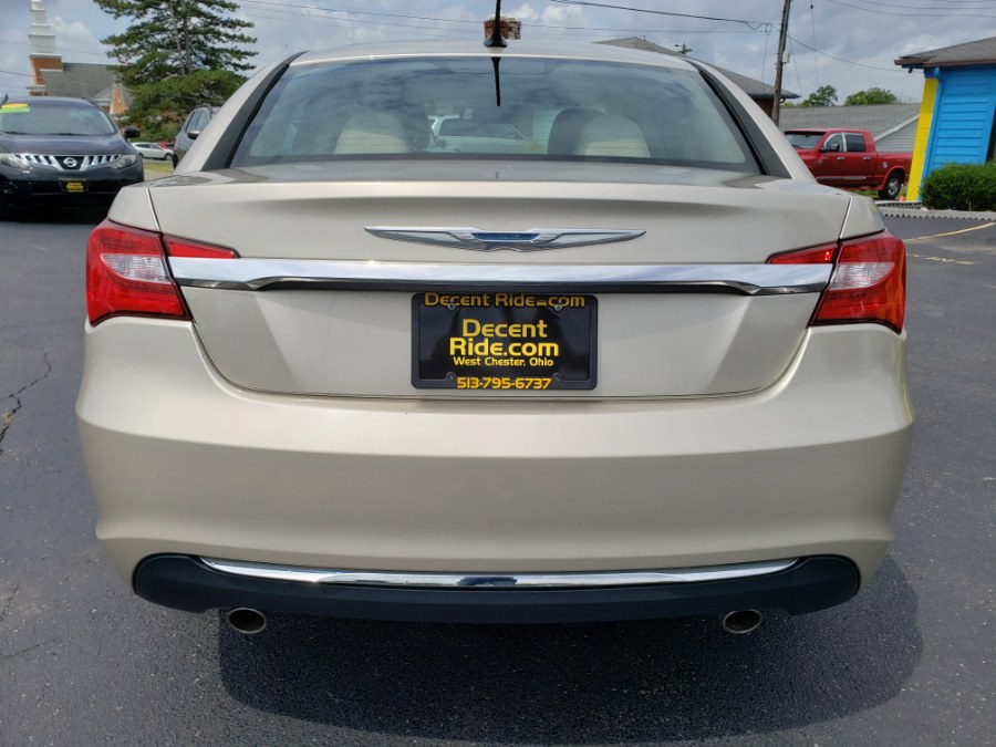 2013 Chrysler 200 4dr Sdn Limited, available for sale in West Chester, Ohio | Decent Ride.com. West Chester, Ohio