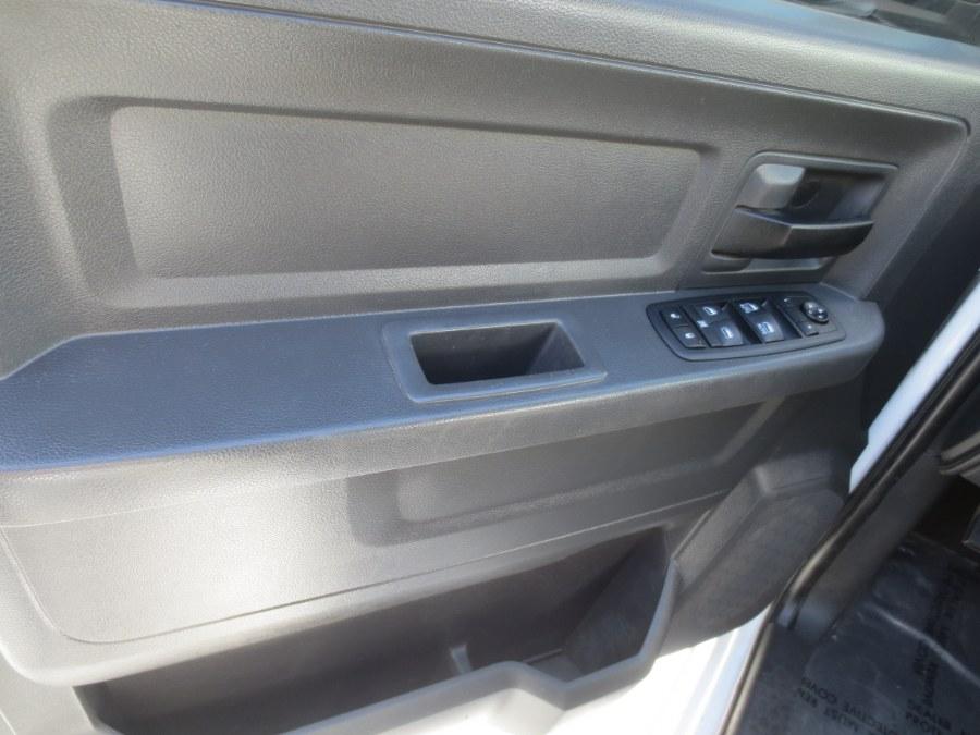 2012 Ram 1500 4WD Quad Cab 140.5