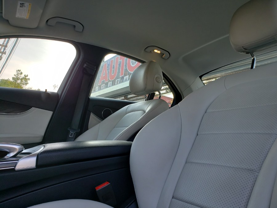 Used Mercedes-Benz C-Class 4dr Sdn C300 Luxury 4MATIC 2016 | NYC Automart Inc. Brooklyn, New York