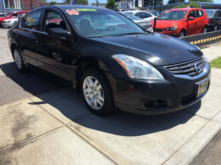 2010 Nissan Altima 4dr Sdn I4 CVT 2.5 S, available for sale in Stratford, Connecticut | Mike's Motors LLC. Stratford, Connecticut