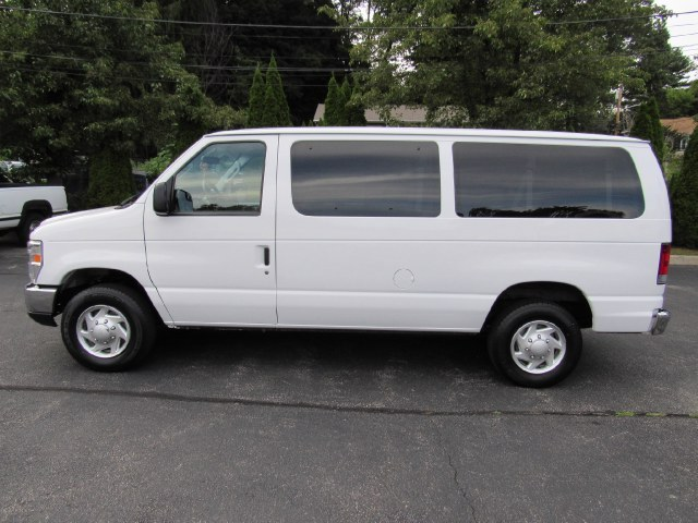 2013 Ford Econoline Wagon E-350 Super Duty XLT, available for sale in Paterson, New Jersey | MFG Prestige Auto Group. Paterson, New Jersey