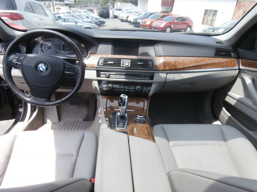 2011 BMW 5 Series 4dr Sdn 535i xDrive AWD, available for sale in Waterbury, Connecticut | Jim Juliani Motors. Waterbury, Connecticut