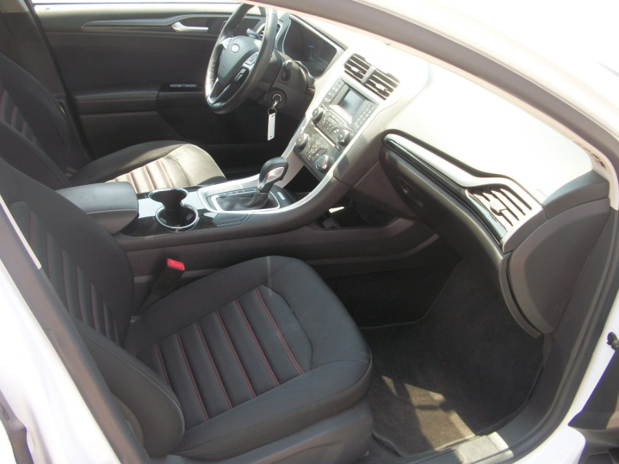 2014 Ford Fusion 4dr Sdn SE FWD, available for sale in Jamaica, New York | Gateway Car Dealer Inc. Jamaica, New York