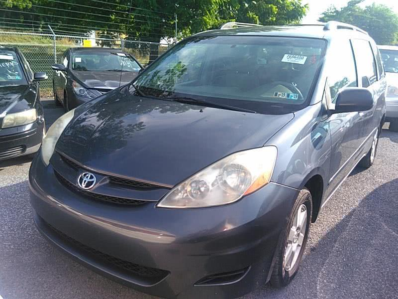 Used 2007 Toyota Sienna in Corona, New York | Raymonds Cars Inc. Corona, New York