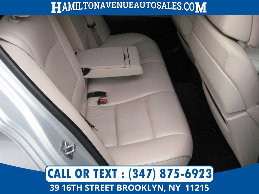 2011 BMW 5 Series 4dr Sdn 550i xDrive AWD, available for sale in Brooklyn, New York | Hamilton Avenue Auto Sales DBA Nyautoauction.com. Brooklyn, New York