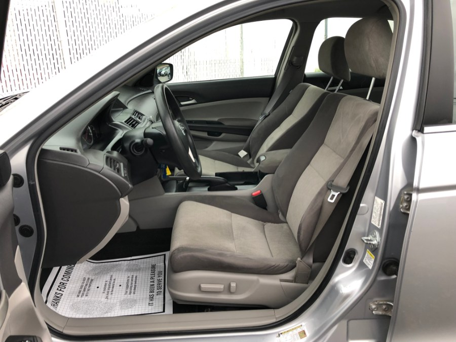2009 Honda Accord Sdn 4dr I4 Auto LX-P PZEV, available for sale in Bayshore, New York | Carmatch NY. Bayshore, New York