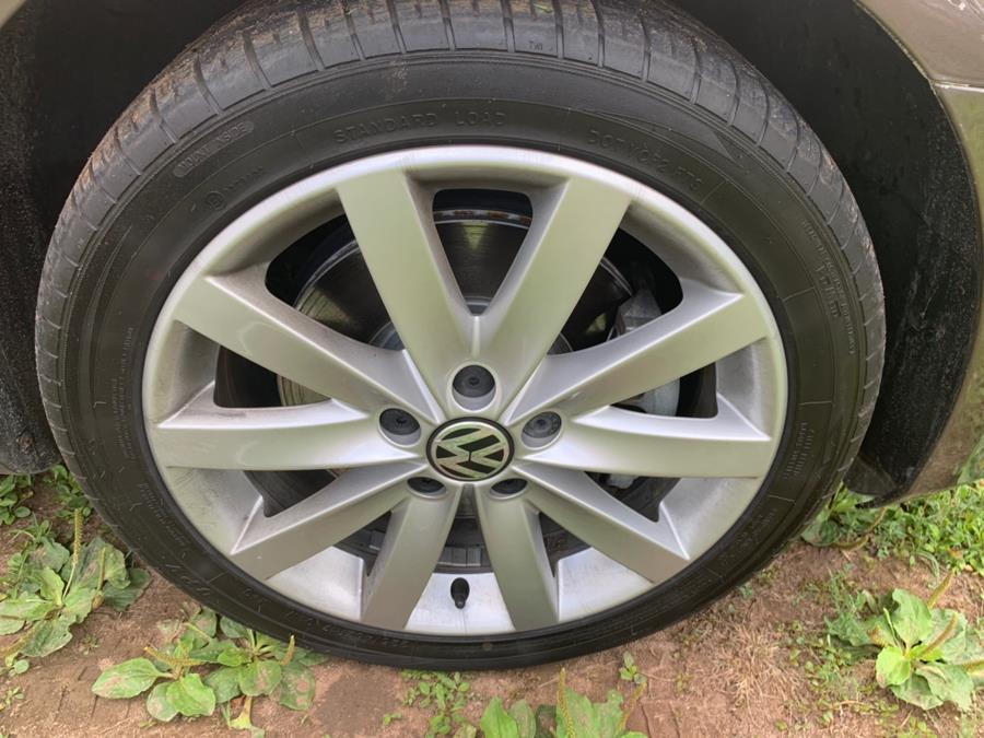 2011 Volkswagen Jetta SportWagen 4dr DSG TDI, available for sale in Cheshire, Connecticut | Automotive Edge. Cheshire, Connecticut