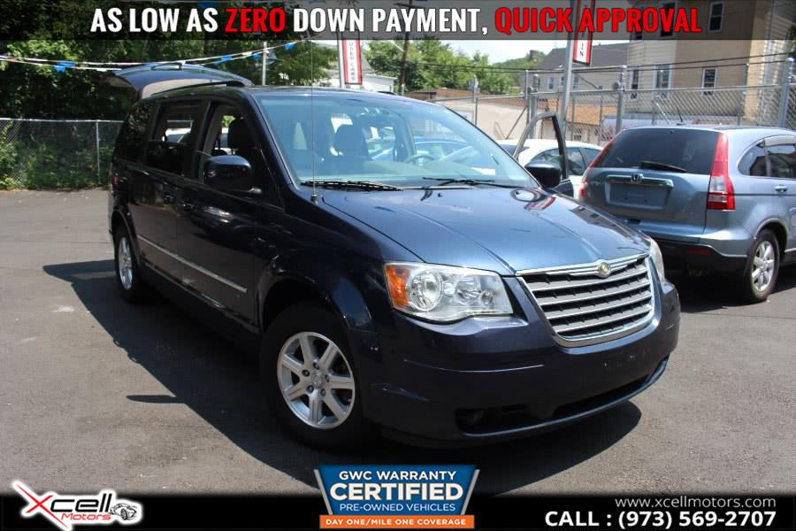 Used 2009 Chrysler Town & Country/ Touring in Paterson, New Jersey | Xcell Motors LLC. Paterson, New Jersey