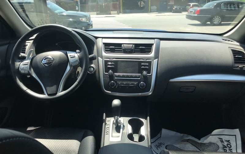 2016 Nissan Altima 4dr Sdn I4 2.5 SV, available for sale in Hollis, New York | Authentic Autos LLC. Hollis, New York