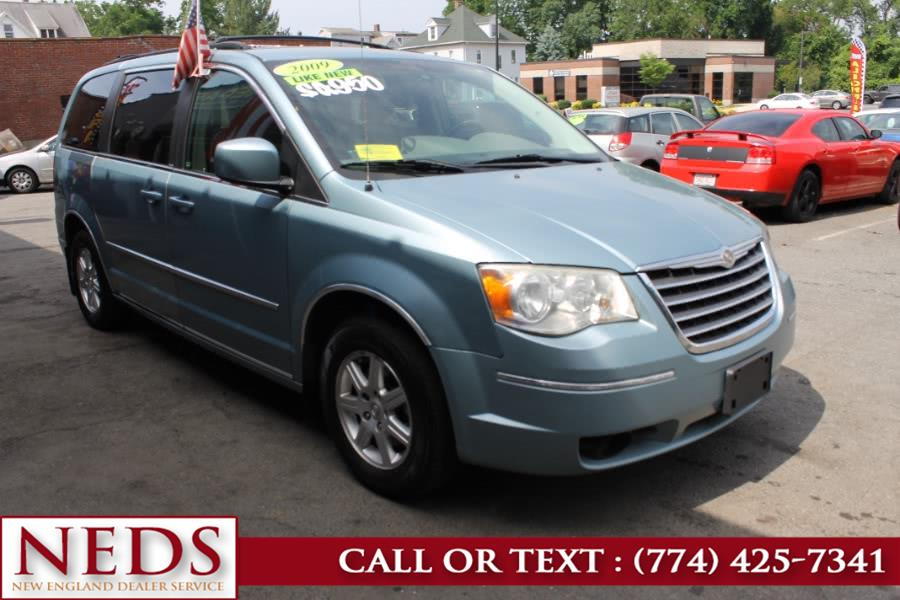 Used 2009 Chrysler Town & Country in Indian Orchard, Massachusetts | New England Dealer Services. Indian Orchard, Massachusetts