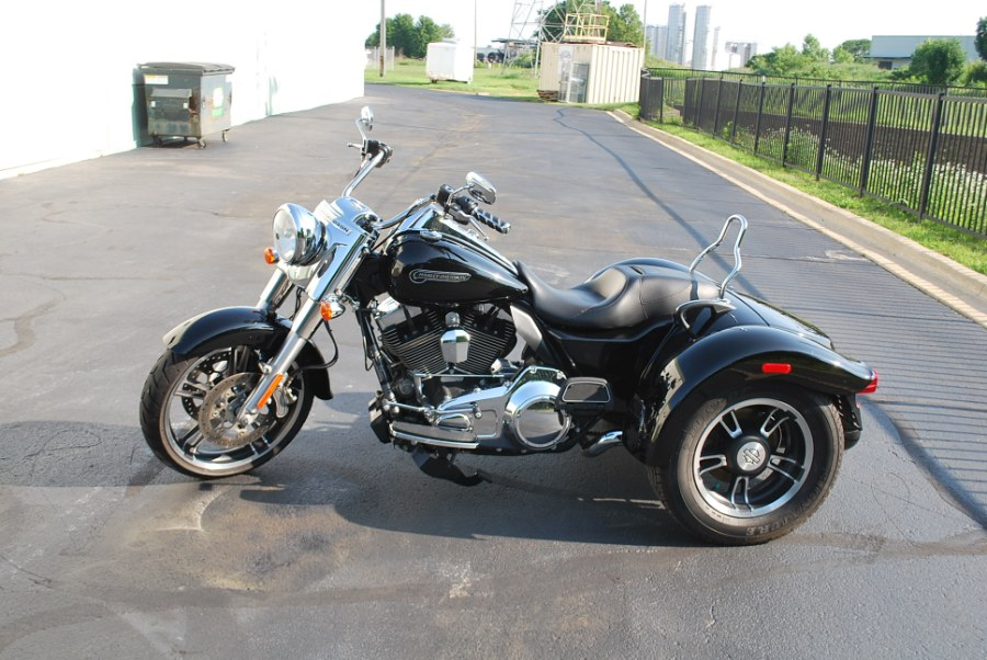 2016 Harley Davidson FLHX FREE WHEELER, available for sale in Plainfield, Illinois | Showcase of Cycles. Plainfield, Illinois