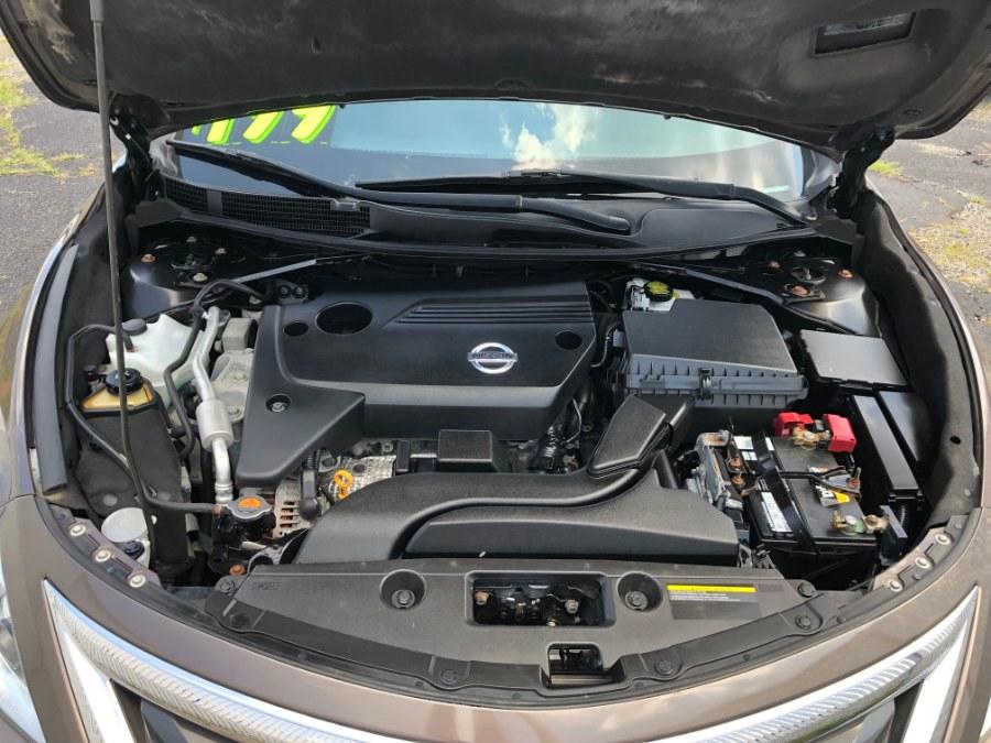 2013 Nissan Altima 4dr Sdn I4 2.5 SL, available for sale in Bayshore, New York | Carmatch NY. Bayshore, New York