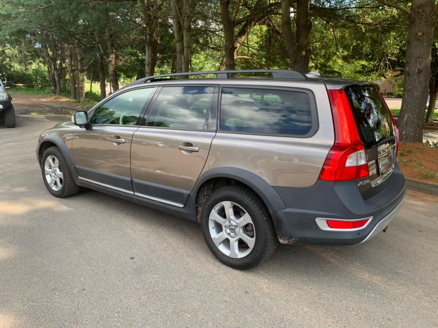 2008 Volvo XC70 4dr Wgn w/Snrf, available for sale in Cheshire, Connecticut | Automotive Edge. Cheshire, Connecticut