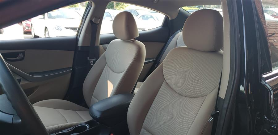 2016 Hyundai Elantra 4dr Sdn Auto SE, available for sale in Waterbury, Connecticut | National Auto Brokers, Inc.. Waterbury, Connecticut
