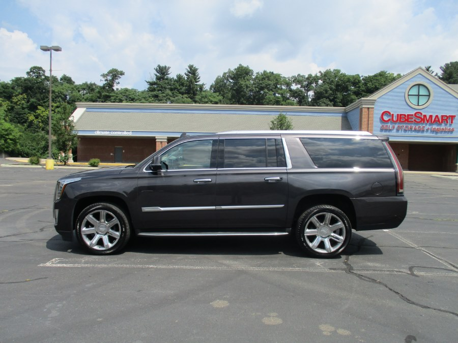 Used Cadillac Escalade ESV 4WD 4dr Luxury Collection 2016 | Universal Motors LLC. New Britain, Connecticut