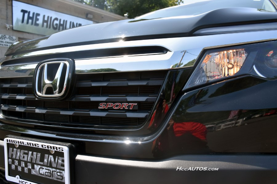 2017 Honda Ridgeline Sport 4x4 Crew Cab, available for sale in Waterbury, Connecticut | Highline Car Connection. Waterbury, Connecticut