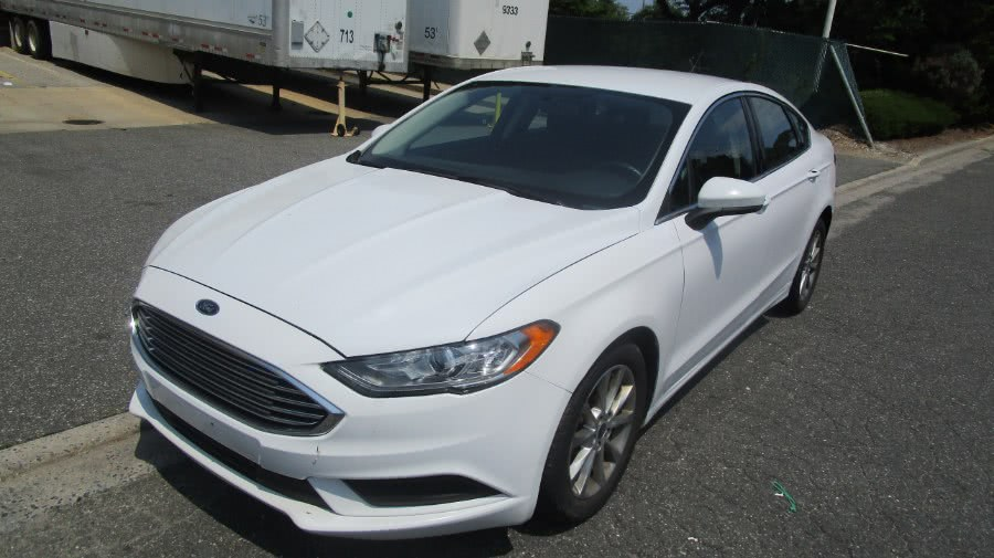 Used 2017 Ford Fusion in Hicksville, New York | H & H Auto Sales. Hicksville, New York
