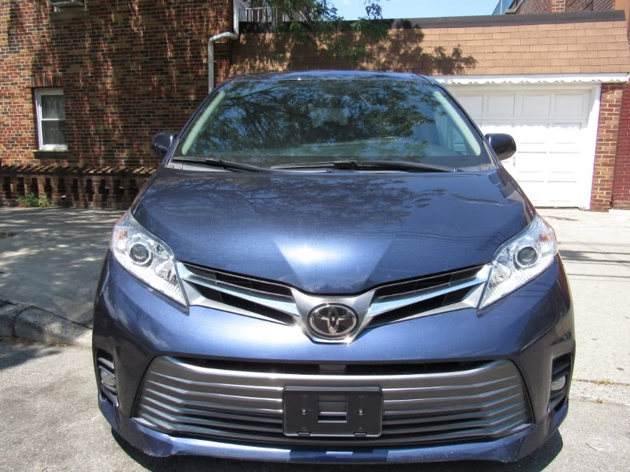 Used 2018 Toyota Sienna in Levittown, Pennsylvania | Deals on Wheels International Auto. Levittown, Pennsylvania