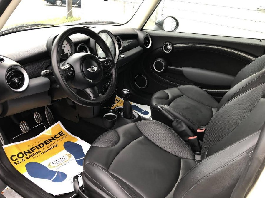 2012 MINI Cooper Hardtop 2dr Cpe S, available for sale in Elmont, New York | Cars Off Lease . Elmont, New York