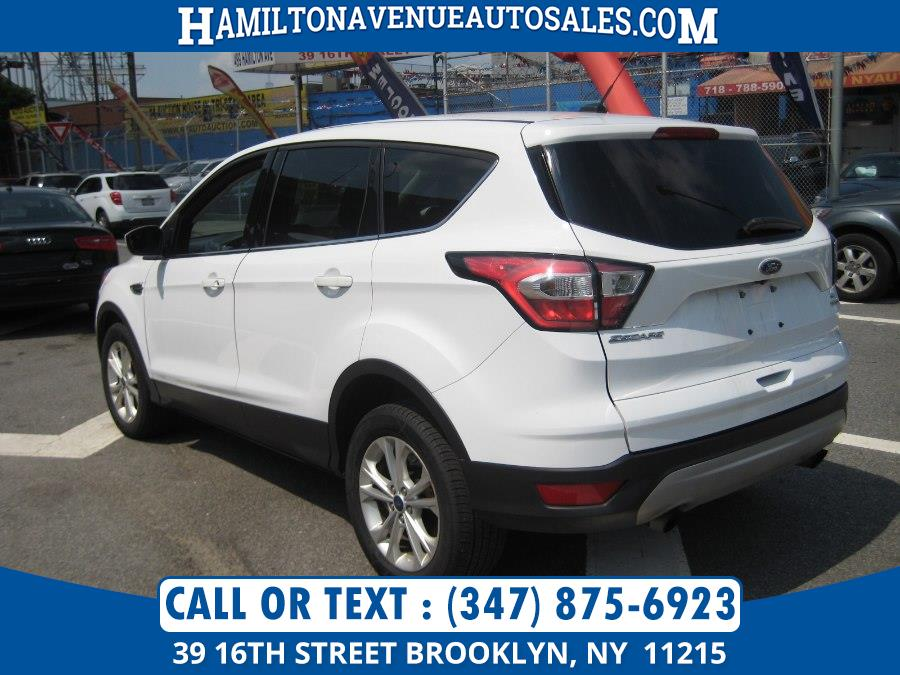 Used Ford Escape SE 4WD 2017 | Hamilton Avenue Auto Sales DBA Nyautoauction.com. Brooklyn, New York
