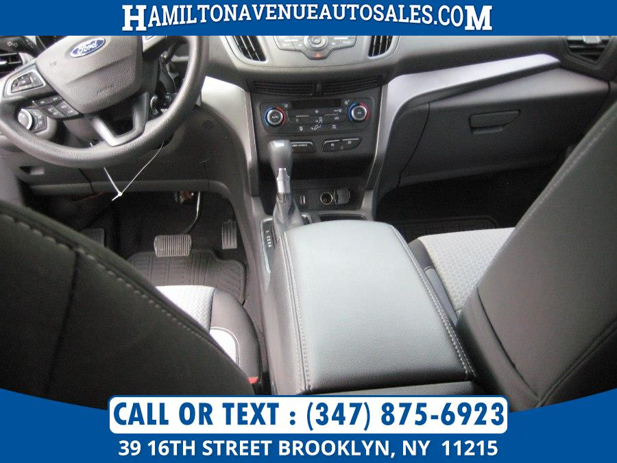 2017 Ford Escape SE 4WD, available for sale in Brooklyn, New York | Hamilton Avenue Auto Sales DBA Nyautoauction.com. Brooklyn, New York