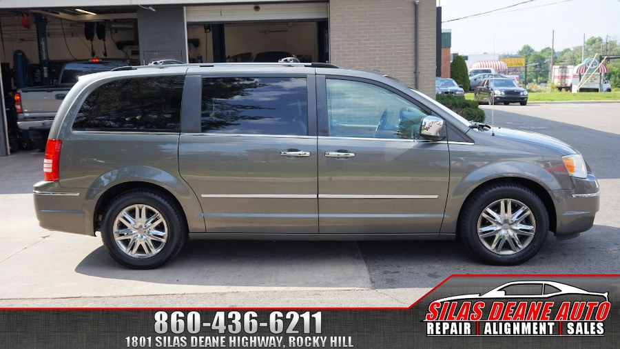 2010 Chrysler Town & Country 4dr Wgn Limited, available for sale in Rocky Hill , Connecticut | Silas Deane Auto LLC. Rocky Hill , Connecticut