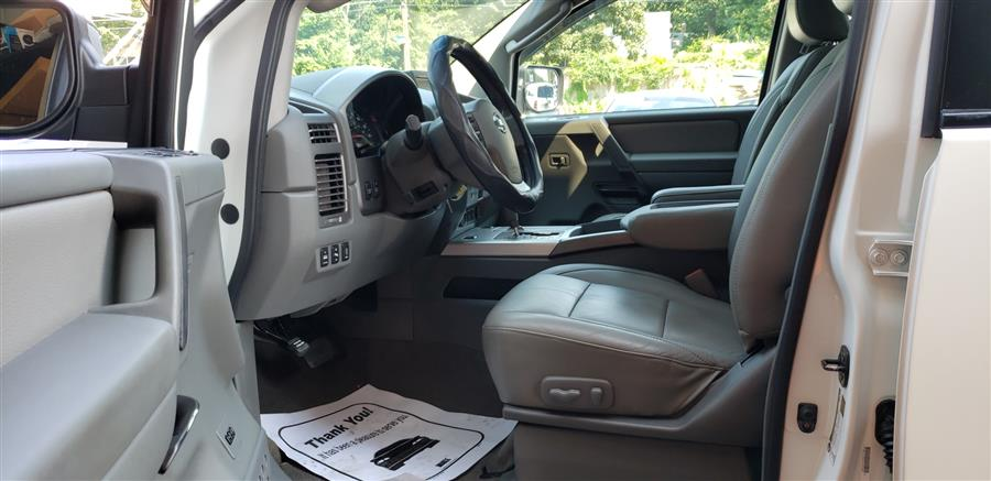 2007 Nissan Titan 4WD Crew Cab LE, available for sale in Waterbury, Connecticut | National Auto Brokers, Inc.. Waterbury, Connecticut
