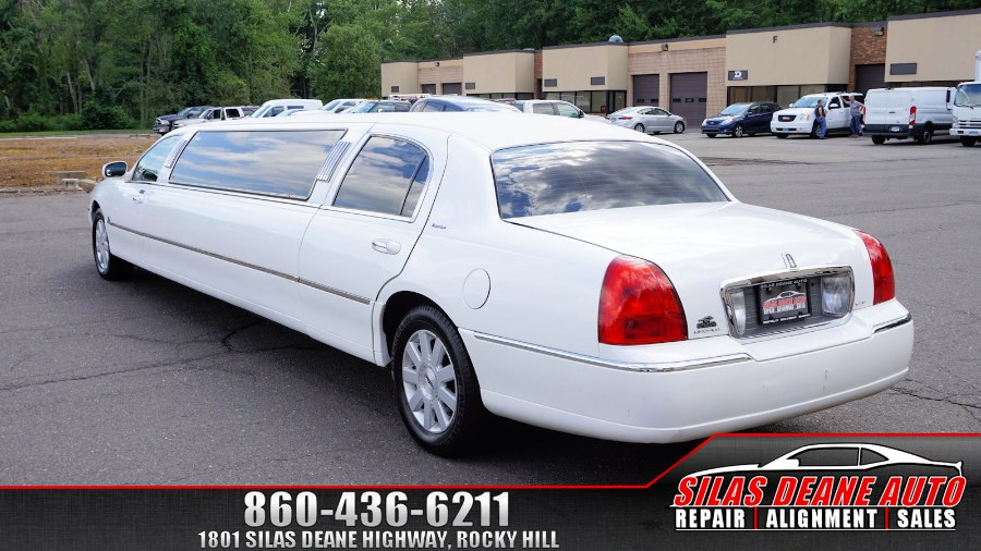 Used Lincoln Town Car 4dr Sdn Executive w/Limousine Pkg 2006 | Silas Deane Auto LLC. Rocky Hill , Connecticut