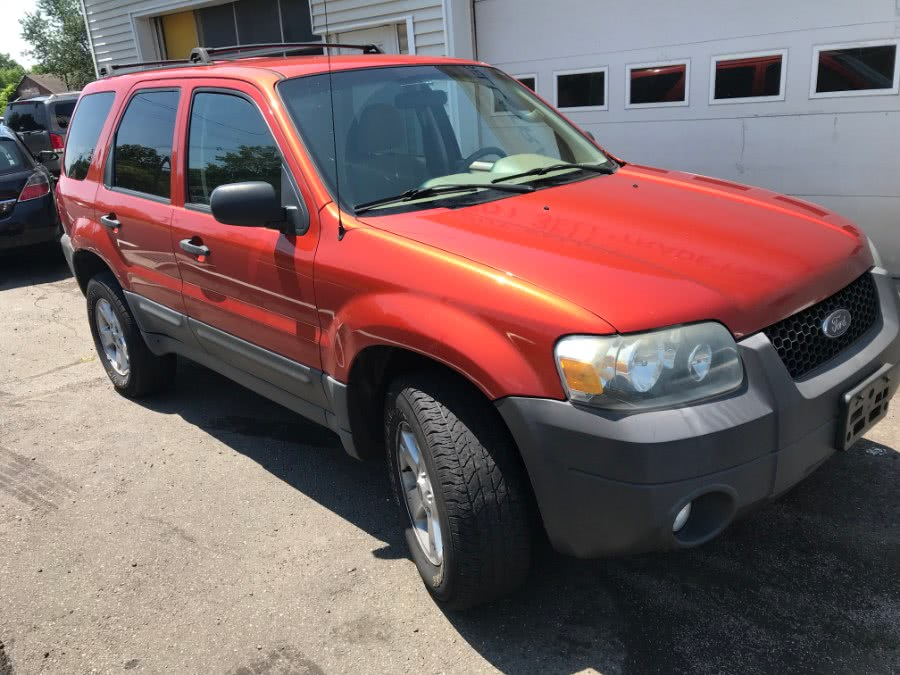 Used 2007 Ford Escape in Wallingford, Connecticut | Wallingford Auto Center LLC. Wallingford, Connecticut