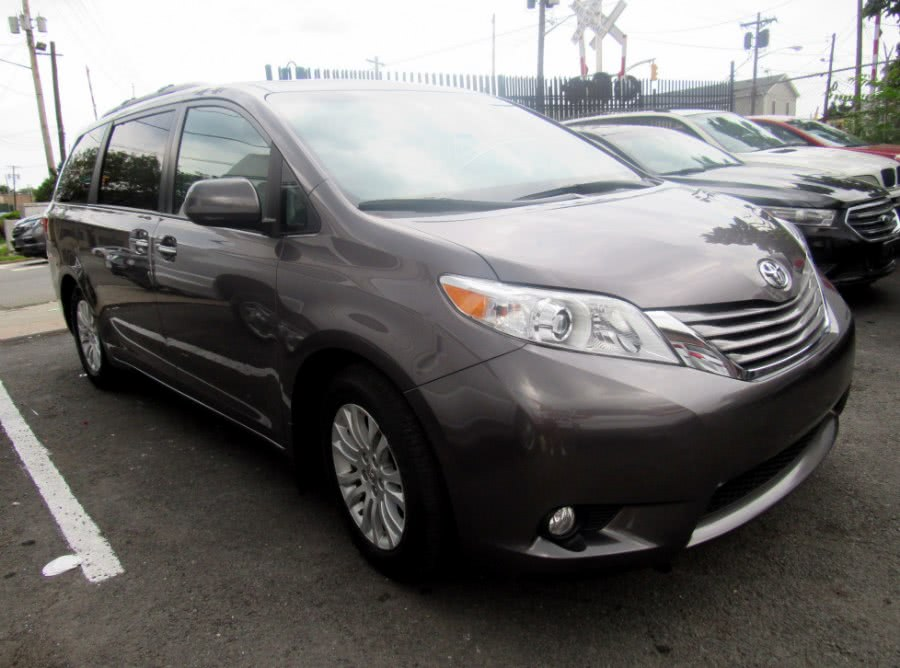 Used 2015 Toyota Sienna in Paterson, New Jersey | MFG Prestige Auto Group. Paterson, New Jersey