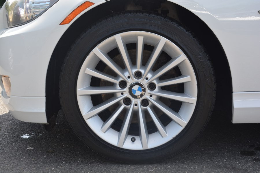 2011 BMW 3 Series 4dr Sdn 328i xDrive AWD SULEV, available for sale in ENFIELD, Connecticut | Longmeadow Motor Cars. ENFIELD, Connecticut
