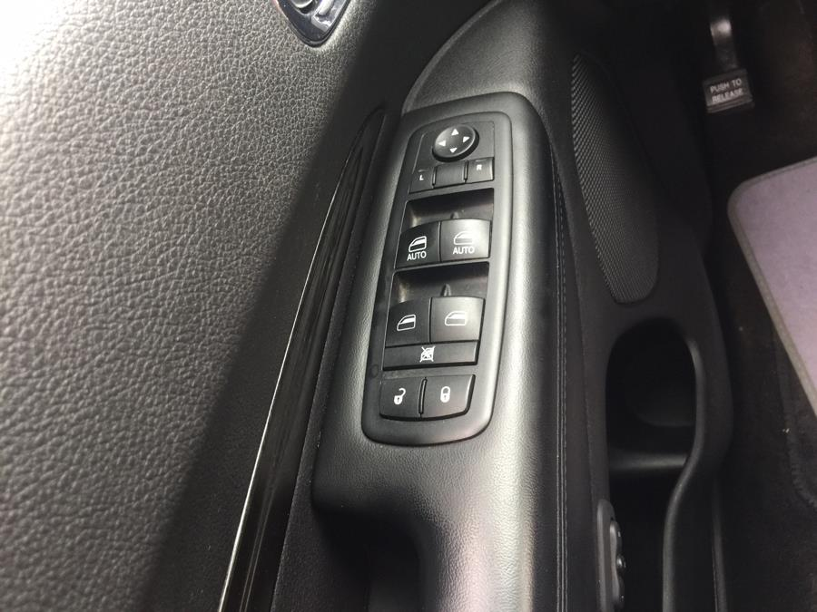 2011 Dodge Durango AWD 4dr Crew, available for sale in Stratford, Connecticut | Mike's Motors LLC. Stratford, Connecticut
