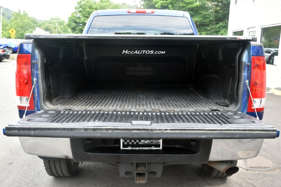 2013 GMC Sierra 2500HD 4WD Crew Cab, available for sale in Waterbury, Connecticut | Highline Car Connection. Waterbury, Connecticut