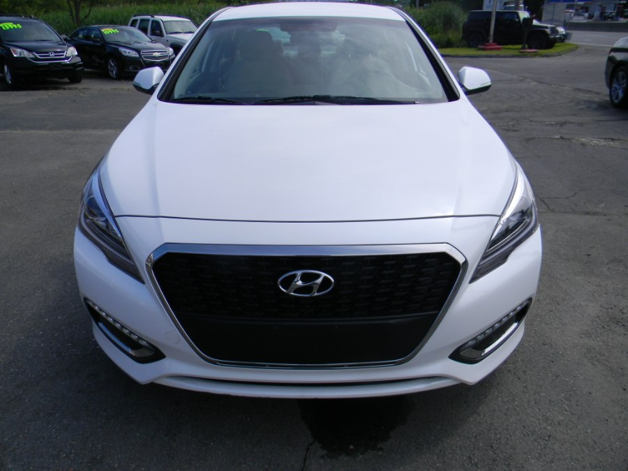 2016 Hyundai Sonata Hybrid 4dr Sdn SE, available for sale in Southborough, Massachusetts | M&M Vehicles Inc dba Central Motors. Southborough, Massachusetts