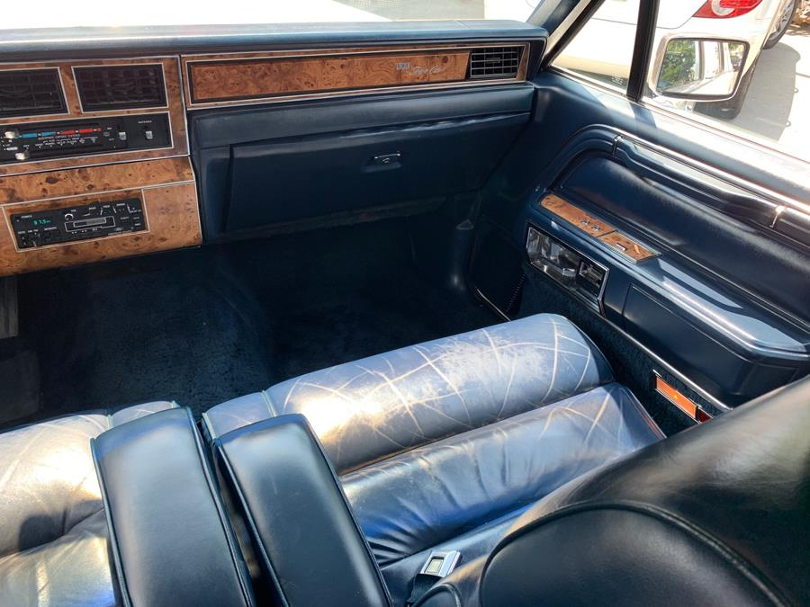 1987 Lincoln Town Car 4dr Sedan, available for sale in New Britain, Connecticut | Central Auto Sales & Service. New Britain, Connecticut