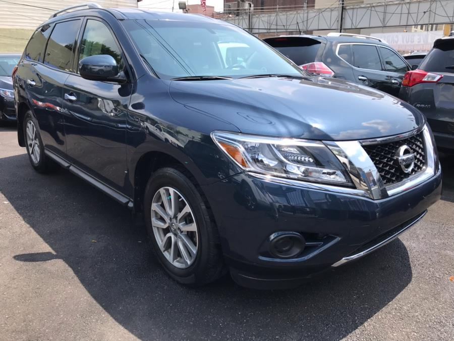 2016 Nissan Pathfinder 4WD 4dr SV, available for sale in Jamaica, New York | Sunrise Autoland. Jamaica, New York