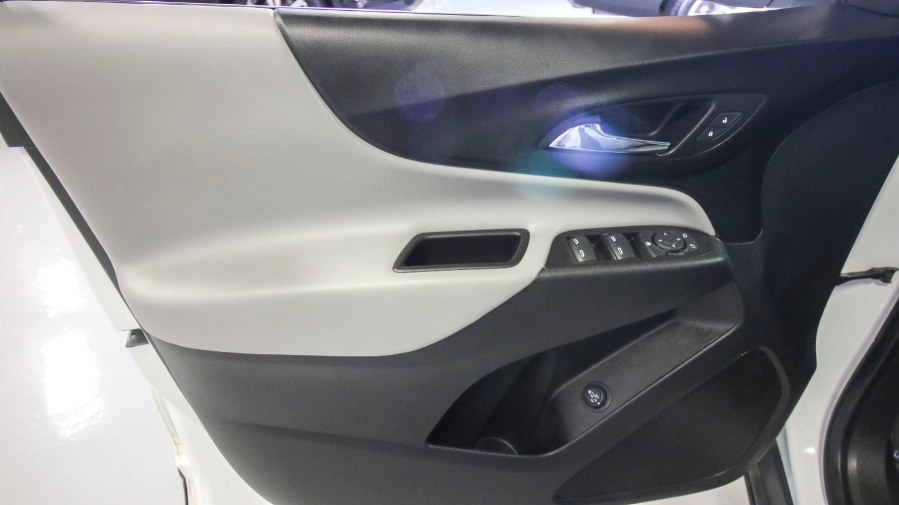2018 Chevrolet Equinox AWD 4dr LT w/1LT, available for sale in Medford, Massachusetts | Inman Motors Sales. Medford, Massachusetts
