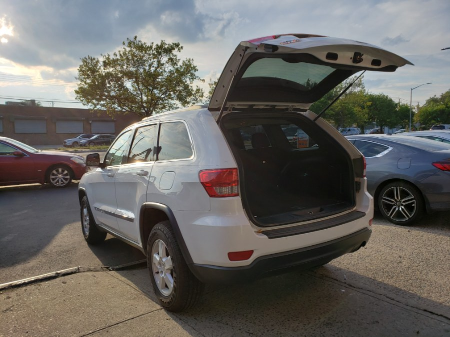 2013 Jeep Grand Cherokee 4WD 4dr Laredo, available for sale in Brooklyn, New York | Rubber Bros Auto World. Brooklyn, New York