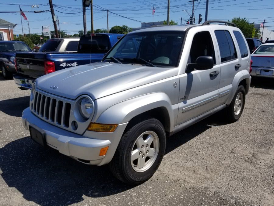 2006 Jeep Liberty 4dr Sport 4WD, available for sale in Patchogue, New York | Romaxx Truxx. Patchogue, New York